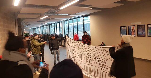 """Illegalen bezetten nu ook universiteitsgebouw ULB: """"Er zullen nog bezettingen volgen"""""""