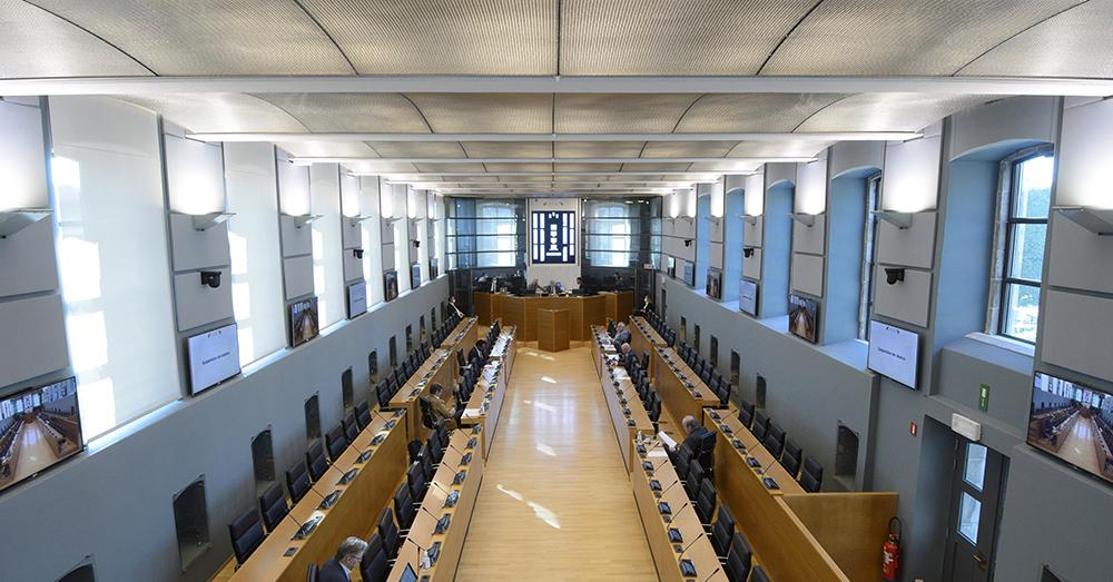 Nethys-affaire: huiszoekingen in Waals Parlement